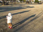 090225 s 影遊び おぼうし.jpg