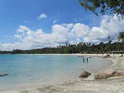 100520  s  beach1.jpg