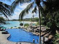 100520  s  pool and beach1.jpg