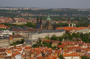 ss  ★Ph4-2 プラハ城 と古今.jpg